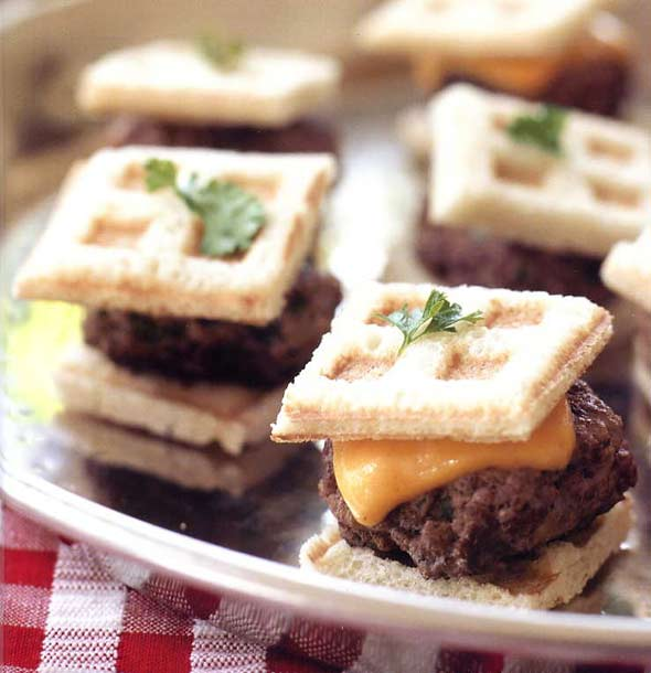 Mini-Cheeseburgers with Waffled Bread