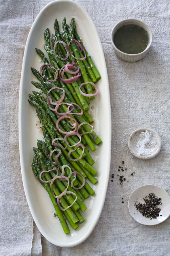 Asparagus with Raspberry-Shallot Vinaigrette