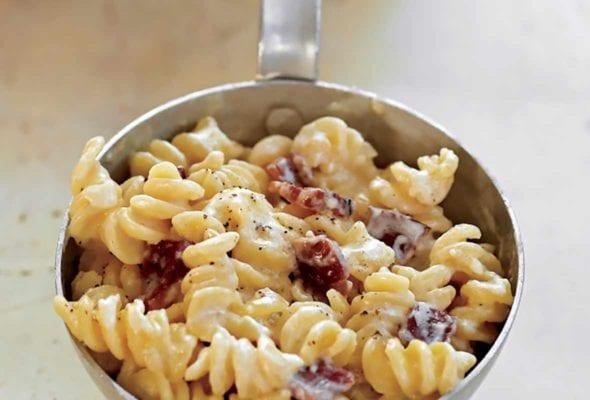 Bacon-Cheddar Macaroni and Cheese