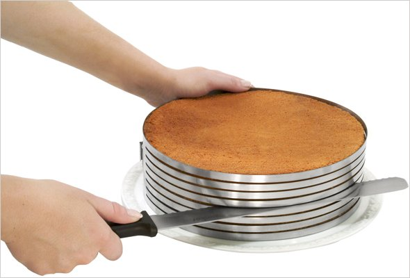 Layer Cake Slicing Kit from Frieling Fresh Solutions
