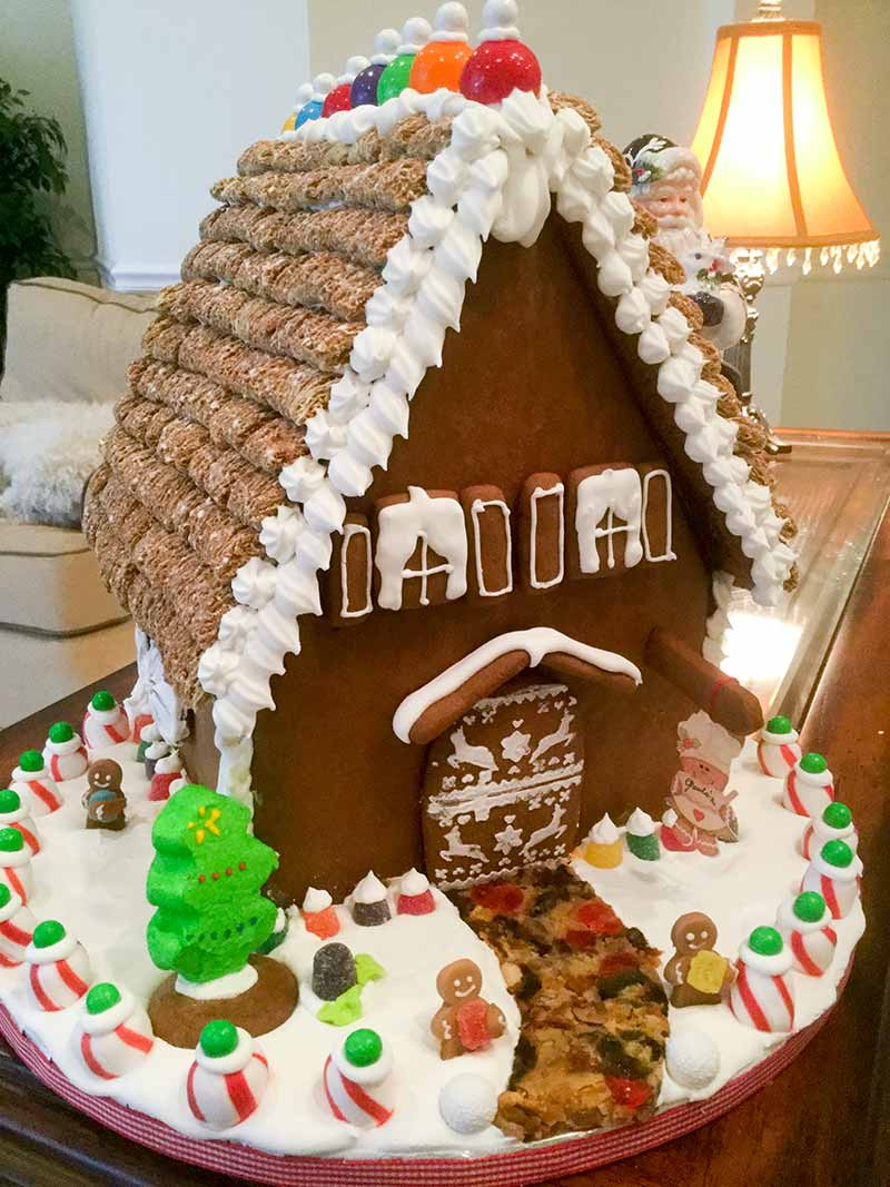 how to make a gingerbread house recipe leite 39 s culinaria. Black Bedroom Furniture Sets. Home Design Ideas