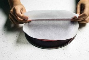How to Line a Cake Pan 2