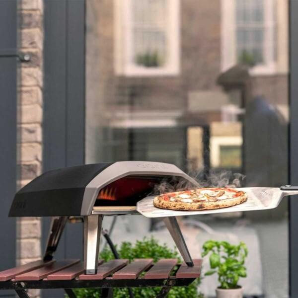 Tabletop Ooni Koda Propane Outdoor Pizza Oven