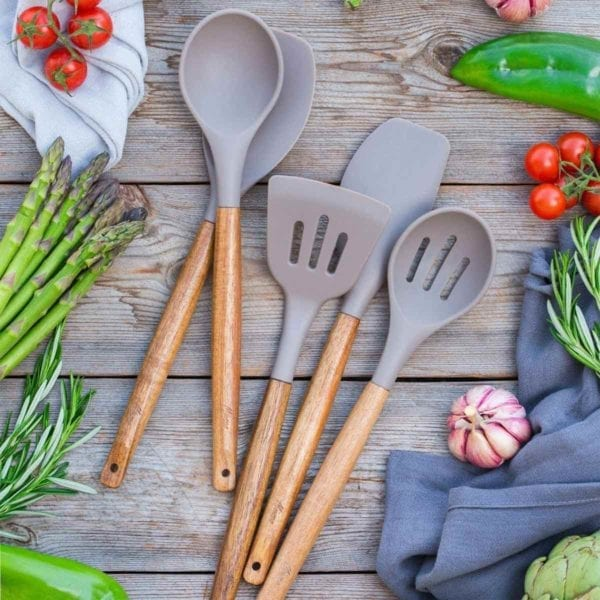 Non-stick Silicone Cooking Utensils with Vegetables