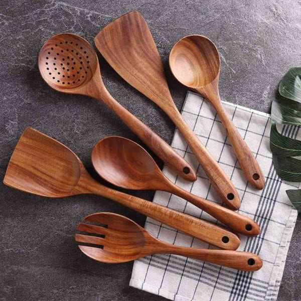 Wooden Cooking Utensil Set With Windowpane Dish Towel