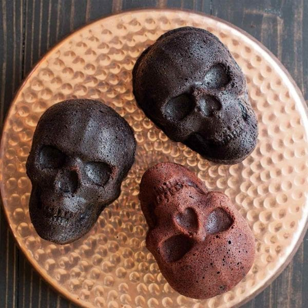 Haunted Skull Cakelet Pan Chocolate