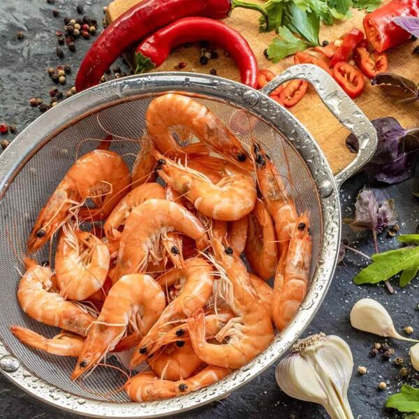 Large Fine Mesh Strainer with Shrimp