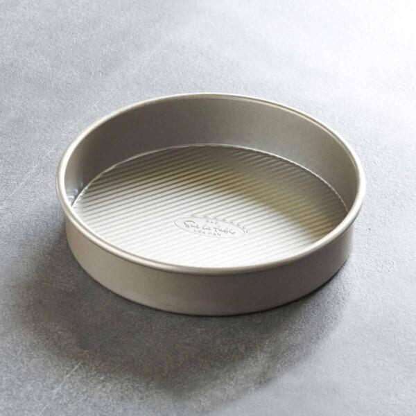 Platinum Pro Round Cake Pan On Counter