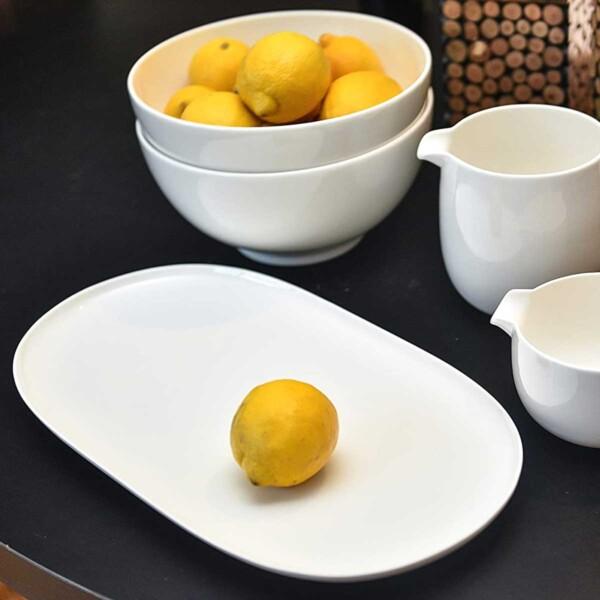 Red Vanilla White Dinnerware with lemons.