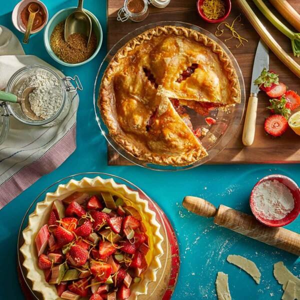 Glass Pie Plate with Strawberry Pie