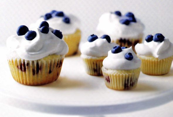 Blueberries-and-Cream Cupcakes